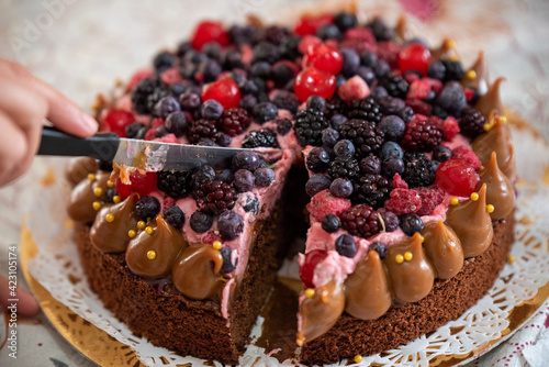 red berry cake ideal dessert for the whole family