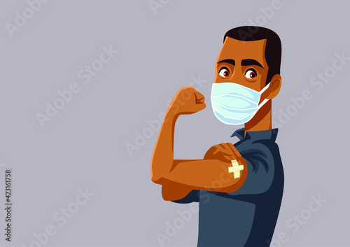 Foto African Man Showing Vaccinated Arm