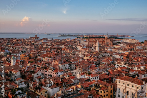 Aerial Panoramic View of Venice and the Lagoon from the top of Campanile di San Fototapet