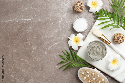 Obraz Flat lay composition with cosmetic product on grey background, space for text. Spa body wraps - fototapety do salonu