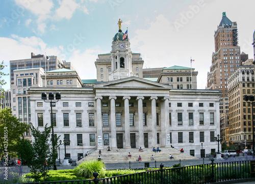 Leinwand Poster Brooklyn, NY - USA - July 9, 2004: View of the historic Brooklyn Borough Hall