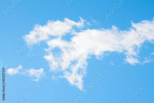 niebo błękitne - fototapety na wymiar