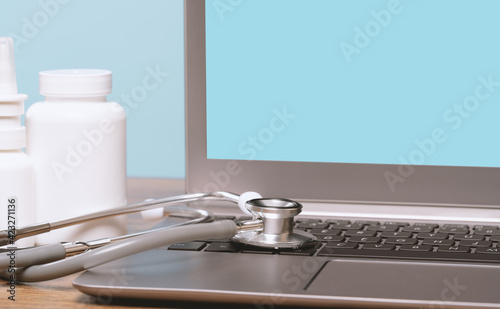 Photographie Stethoscope on a laptop