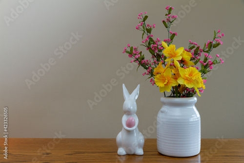 Fototapeta easter still life with tulips and eggs obraz