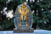 Ceramic Souvenir Representing The Mask Of Tutankhamun 22