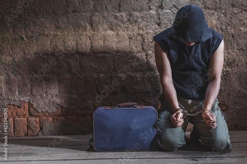 Canvas Print Police arrest drug trafficker with handcuffs