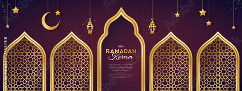 Fotografía Ramadan Kareem concept banner with gold 3d frame, arab window on dark background with beautiful arabesque pattern