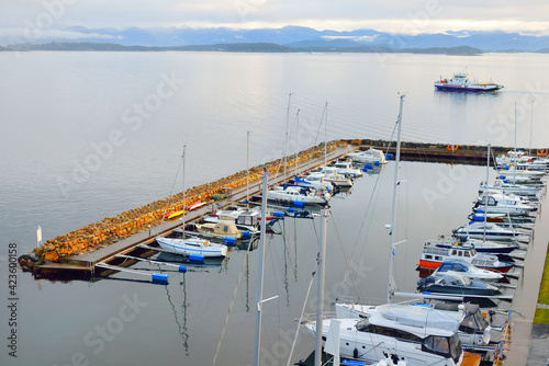 Obraz na plátně Panoramic view of the yacht marina