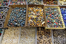 Showcase For Sales Of Seashell, Beads, Semiprecious And Other Souvenirs On Istanbul Grand Bazaar Marketplace. Gifts From Travels By Turkey.