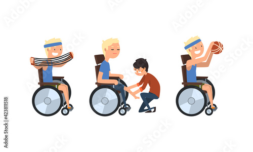 Fotografia Blond Man with Disability in Wheelchair Strengthen Muscle Doing Physical Exercis