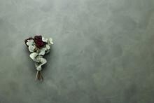 Getrockneter Rosenstrauß Auf Grünem Hintergrund Mit Textfreiraum