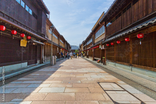 Fototapeta Higashi Chaya Districts is a historic entertainment district with teahouses where geisha perform