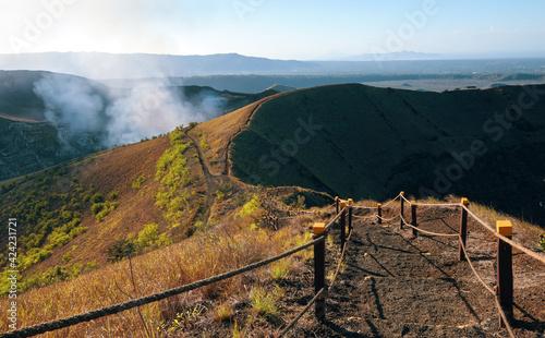 Fotografía Stairway trail in masaya volcano national park, Nicaragua