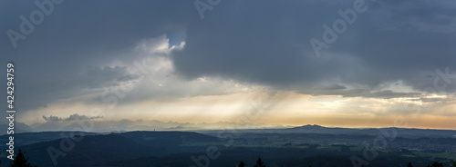 Fotografia travel germany and bavaria, view over bavarian landscape while weather is changi