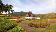 Pink Flower Gardens By The Pavilion At Royal Park Rajapruek