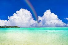タモンビーチの美しいサンゴ礁の海
