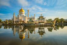 Omar Ali Saifuddien Mosque In Bandar Seri Begawan, Brunei Darussalam
