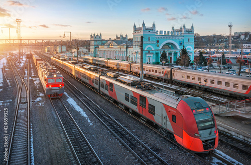 Photo The station building and the train in Smolensk