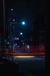 深夜の道とテールライト