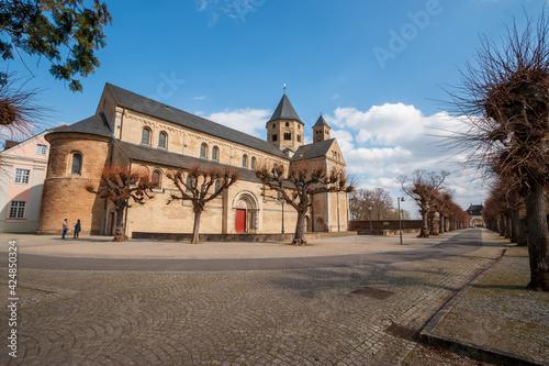 Canvas Klosterkirche St. Andreas - Kloster  Knechtseden bei Dormagen