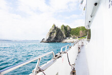 """Traveling A Taiwanese Island Named """"keelung Islet"""" By Yacht"""