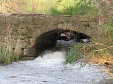 Ruins Mill Running Water Fallen Old Worth