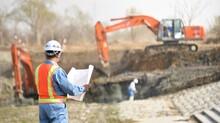 建設工事を管理・指揮する現場監督