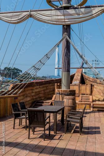 Photographie Forward deck of replica 14th century British vessel.