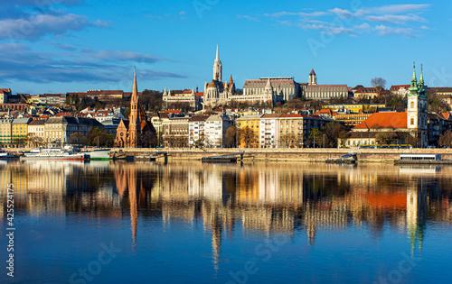 Fototapeta Hungary, Budapest, beautiful architecture, fishermen's bastion on the banks of t