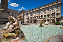 Fountain Of Piazza Colonna And Palazzo Chigi, Rome, Italy