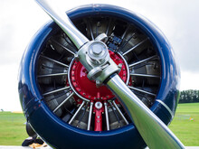 Beautiful Radial Engine With NACA Cowling