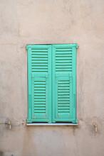 Persiennes Pittoresques Du Village De Roquebrune-Cap-Martin Vieux Village Sur La Côte-d'Azur En France