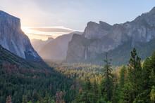 Tunnel View Vista Of Yosemite Valley In Early Morning Sunlight, Yosemite, UNESCO World Heritage Site, California, United States Of America