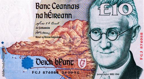 Fotografie, Obraz James Augustine Aloysius Joyce (2 February 1882 - 13 January 1941) was an Irish novelist and poet, Portrait from Ireland 10 Pound 1997 Banknotes