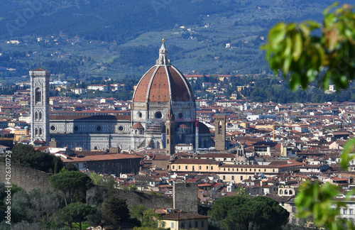 Fotomural Beautiful view of the Cathedral of Santa Maria del Fiore in Florence in spring