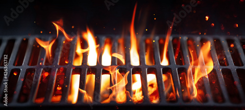 Fotografie, Tablou BBQ Grill With Bright Flames And Glowing Coals