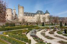 Château De Bournazel Dans Le Département De L'Aveyron En Occitanie - Rouergue - France
