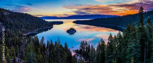Foto Sunrise on Emerald Bay, Lake Tahoe