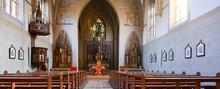 Innnenansicht Katholische Pfarrkirche Herz Jesu Schlangenbad In Rheingau-Taunus-Kreis / Hessen