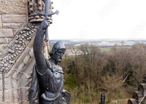 Photo William Wallace statue stands proudly