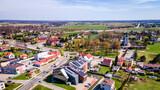 nowoczesna wieś Pawłowice z lotu ptaka na Śląsku w Polsce