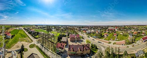 Fototapeta nowoczesna wieś Pawłowice z lotu ptaka na Śląsku w Polsce obraz