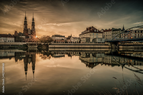 Fototapeta Opole panorama miasta nad Odrą o poranku obraz