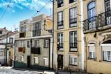 Fototapeta Uliczki - Old colorful houses and narrow streets of Lisbon
