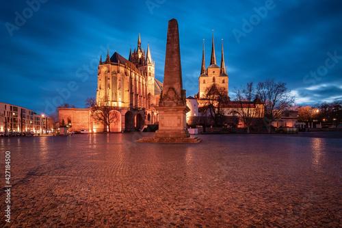 Tableau sur Toile Erfurt - Domplatz am Abend