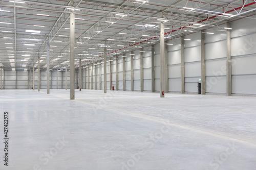 Canvas Print Neubau Lagerhalle für Logistik und Produktion in der Industrie
