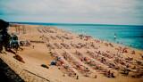 Fototapeta Fototapety z morzem do Twojej sypialni - jandia playa fuerteventura piaszczysta plaża  błękitne morze
