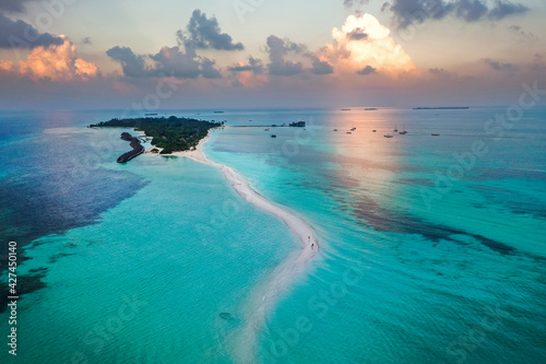 Fototapeta Aerial view, Kuredu, Lhaviyani Atoll, Maldives, Indian Ocean, Asia