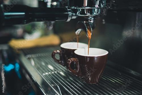 Foto Coffee shop, coffee brewing machine, coffee machine, espresso