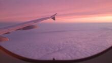 Über Den Wolken Im Sonnenaufgang/ Over The Clouds At Sunrise